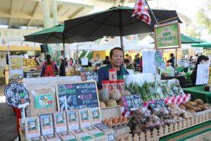 圖/市集很多經過檢驗合格的有機蔬果攤商